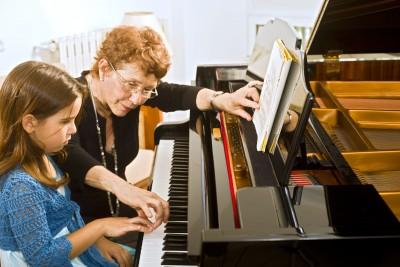 ScatnStyle:  Piano Teacher